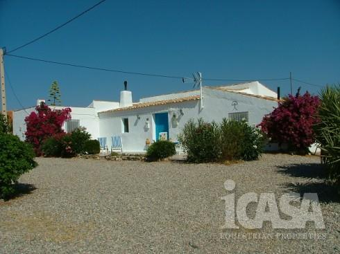 4 Bedroom Country House in Taberno